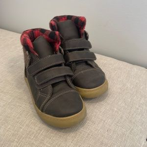 Gap Brown Insulated/weatherproof Velcro Short boot w/red plaid detail
